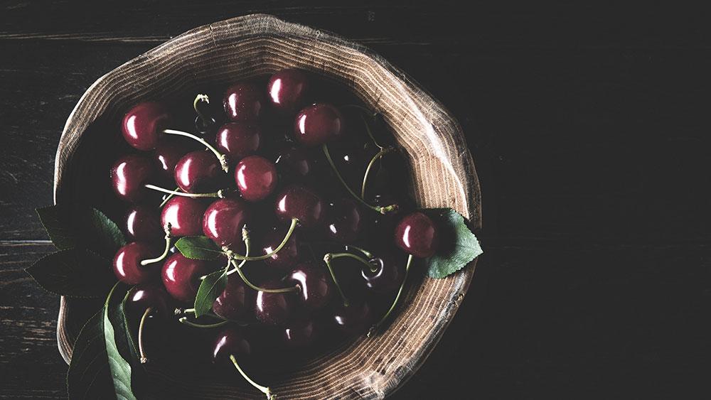 A basket of cherries